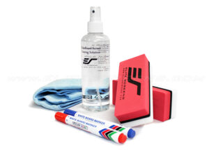 ZER3 : 1 bottle of 8.45 oz. cleaning solution, 1 microfiber cloth, 2 high density foam erasers, 2 sets of blue & red markers